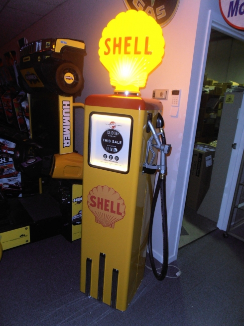 Shell Light Up Deluxe Version Petrol Bowser